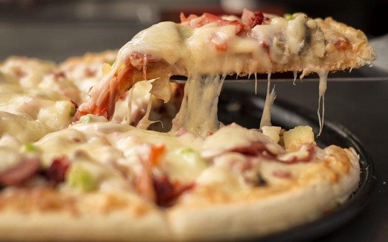 مشروع مطعم بيتزا وفطائر