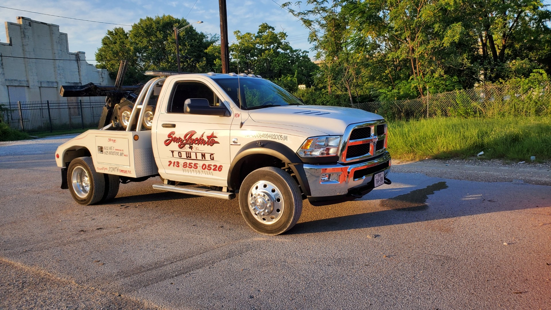 Jeff Smith Baytown Towing, light duty towing service for cars, trucks and SUVs