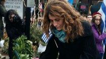 Fragedakis lays wreath
