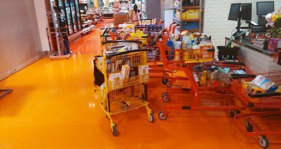 carts wijh food