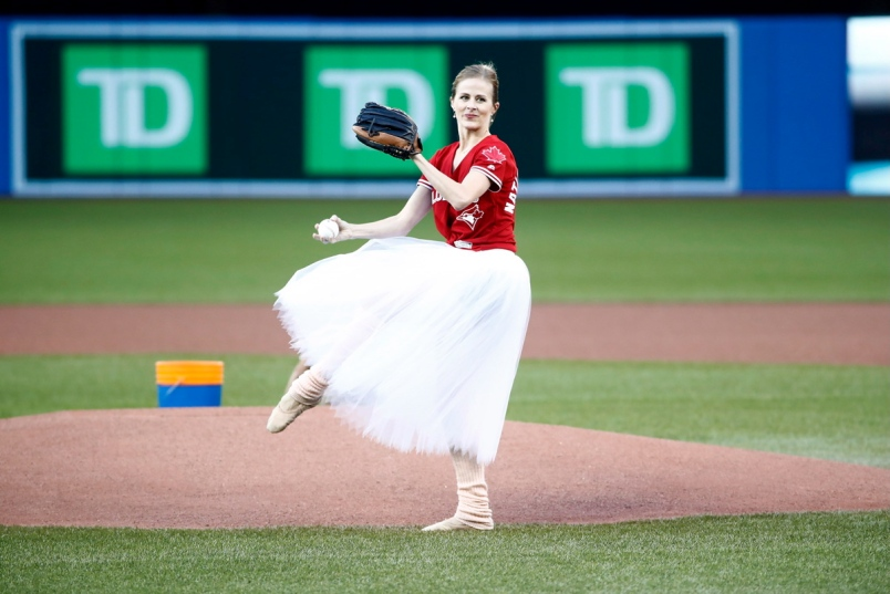 Ballerina baseball fan hurls first pitch at Rogers Centre