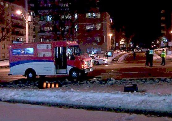 Canada Post truck struck and killed woman near Eglinton E. and Birchmount/CP 24 Twitter