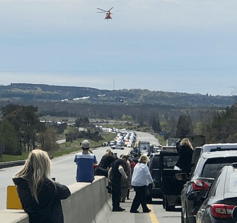 Ornge chopper ambulance prepares to land/Tamipeddle Twitter