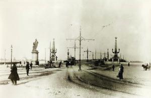 Суворовская площадь. Памятник Суворову. Троицкий мост