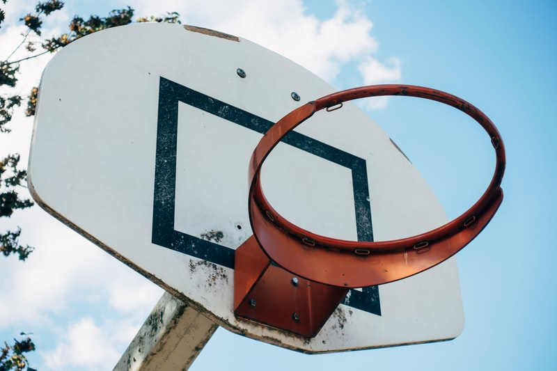 how to make a basketball backboard out of plexiglass