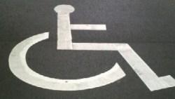 障害者用駐車スペースのマーク