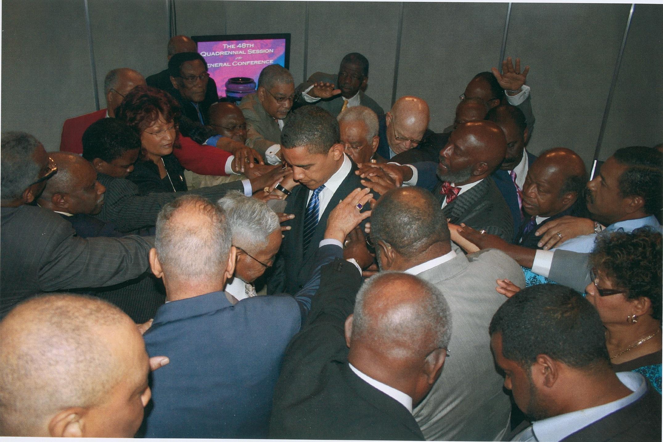 obama-prayer-circle1