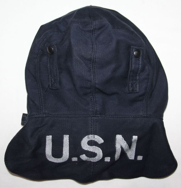 C007. UNISSUED EARLY WWII USN BLUE FOUL WEATHER DECK CAP, SIZE 7 1/4