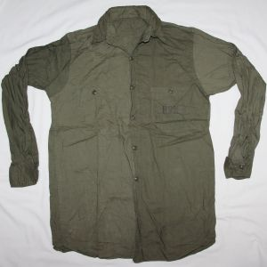 D004. WWII U.S. NAVY, USN OD CHAMBRAY FIELD SHIRT