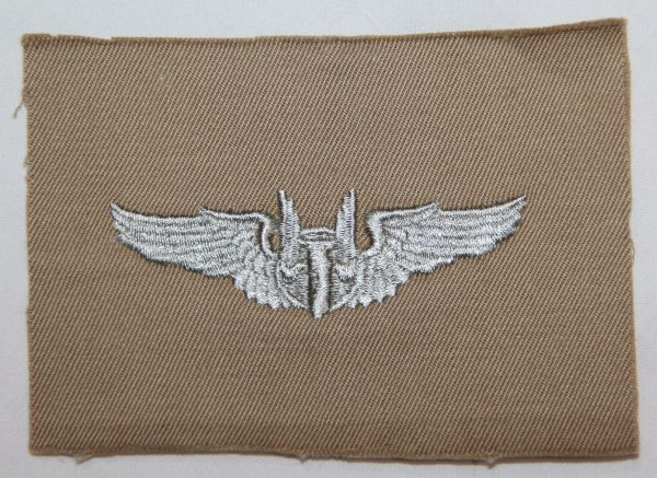 "G012. UNISSUED WWII CLOTH AAF AIR GUNNERS 3"" WINGS"