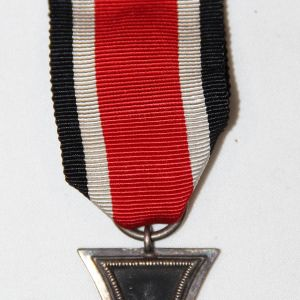Q010. NICE WWII GERMAN 2ND CLASS IRON CROSS W/ RIBBON