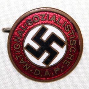 P001. WWII GERMAN NSDAP PARTY PIN