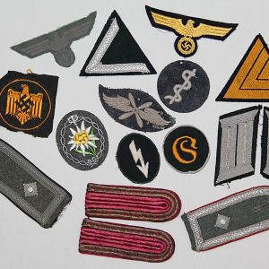 O. WWII GERMAN & JAPANESE CLOTH INSIGNIA, SHOULDER BOARDS, PATCHES, ARMBANDS, BREAST EAGLES, RATES