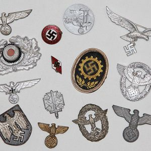 WWII GERMAN & JAPANESE METAL INSIGNIA, TINNIES, PINS, CAP BADGES