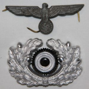 P013. WWII GERMAN ARMY VISOR CAP EAGLE AND WREATH