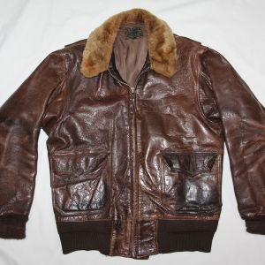 D005. WWII WILLIS & GEIGER M422A U.S. NAVY LEATHER FLIGHT JACKET