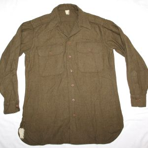 D010. EARLY WWII MUSTARD COLOR WOOL OFFICERS COMBAT FIELD SHIRT