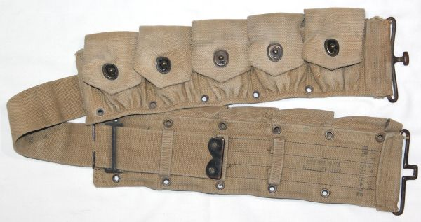 E051. WWII BRITISH MADE 10 POCKET CARTRIDGE BELT