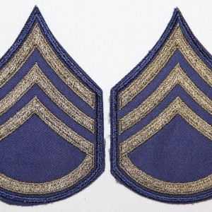 S018. UNISSUED KOREAN WAR E-5 SERGEANT CHEVRONS, STRIPES