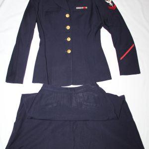 S032. POST WWII U.S. NAVY WOMEN'S WAVE UNIFORM AND SKIRT