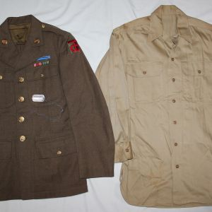 D022. WWII 90TH INFANTRY DIVISION UNIFORM, SHIRT AND DOG TAG