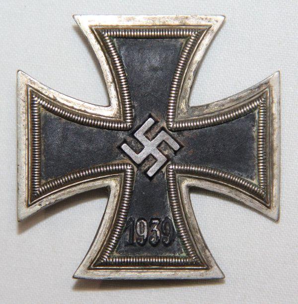 Q027. WWII GERMAN FIRST CLASS IRON CROSS