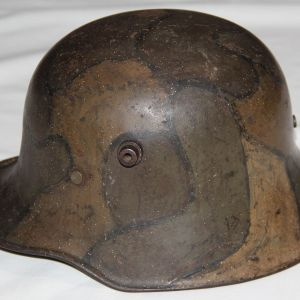 B074. RARE WWI GERMAN CAMOUFLAGE M18 COMBAT HELMET