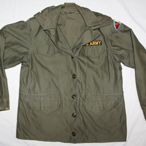 S038. KOREAN WAR 1953 DATED M-1943 WOMEN'S FIELD JACKET WITH HOOD