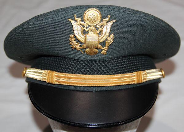U011. NICE POST VIETNAM U.S. ARMY OFFICER VISOR CAP WITH INSIGNIA