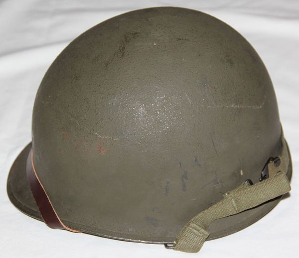 C031. LATE WWII REAR SEAM SWIVEL LOOP M1 HELMET WITH SEAMAN LINER