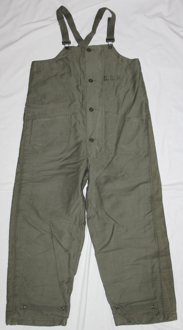 D032. NICE WWII U.S. NAVY 1944 DATED FOUL WEATHER DECK OVERALLS