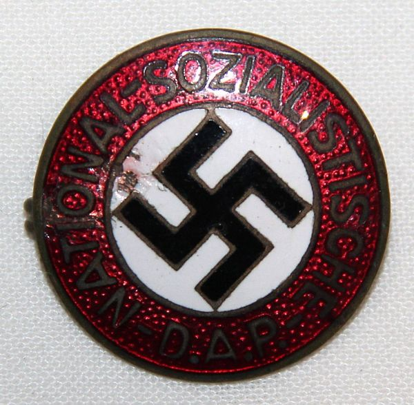 P044. WWII GERMAN NSDAP MEMBERSHIP PIN HALLMARKED RZM No 32