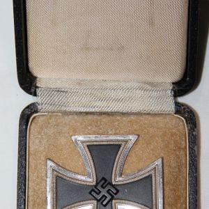 Q031. WWII GERMAN CASED 1ST CLASS IRON CROSS