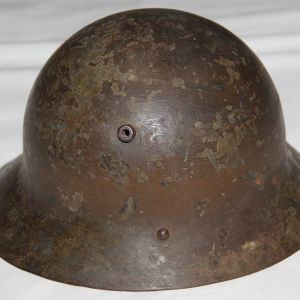 L025. CZECH M30 SPANISH CIVIL WAR HELMET WITH LINER