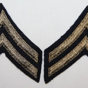 G088. WWII EMBROIDERED ON FELT CORPORAL CHEVRONS