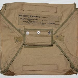 E114. WWII 1944 DATED AAF AN 6510-1 PARACHUTE PACK