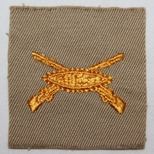G095. WWII ARMORED INFANTRY OFFICERS CLOTH COLLAR INSIGNIA