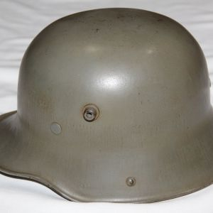 L034. NICE EARLY REISSUE M16 COMBAT HELMET WITH M31 ALUMINUM LINER