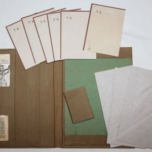 J041. WWII U.S. ARMY STATIONERY WRITING KIT