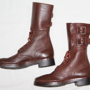 D045. NICE WWII WOMEN'S 2 BUCKLE LEATHER COMBAT BOOTS