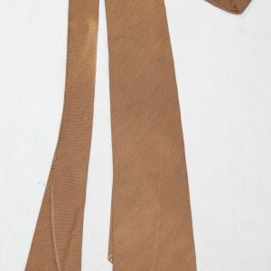 D049. WWII OFFICER'S QUALITY KHAKI WOOL UNIFORM NECK TIE