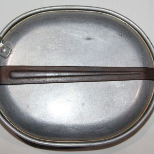 B147. WWI 1918 DATED MESS KIT