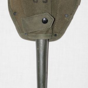 T131. NICE VIETNAM ENTRENCHING TOOL SHOVEL AND COVER