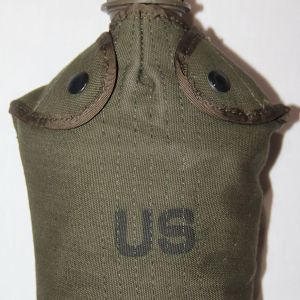 T160. NICE VIETNAM 1966 DATED CANTEEN COVER WITH CANTEEN AND CUP