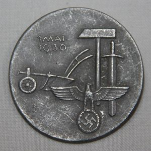 P089. GERMAN 1936 NATIONAL LABOR DAY TINNIE