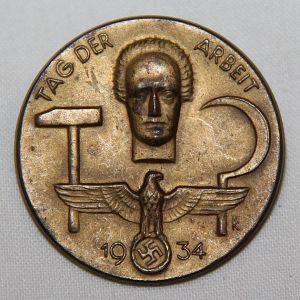 P087. GERMAN 1934 WORKERS DAY TINNIE