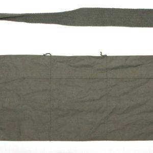 T167. VIETNAM 1968 DATED 5.56MM CLOTH BANDOLEER WITH SAFETY PIN