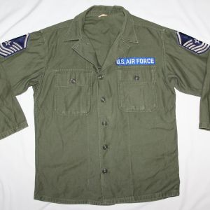 T211. EARLY VIETNAM USAF SENIOR MASTER SERGEANT SATEEN FIELD SHIRT