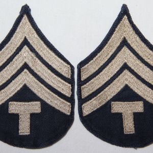 G152. WWII EMBROIDERED ON TWILL TECH SERGEANT CHEVRONS