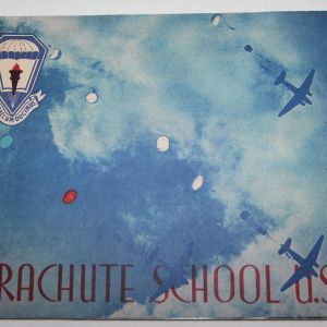 J078. AIRBORNE PARACHUTE SCHOOL USA BOOK